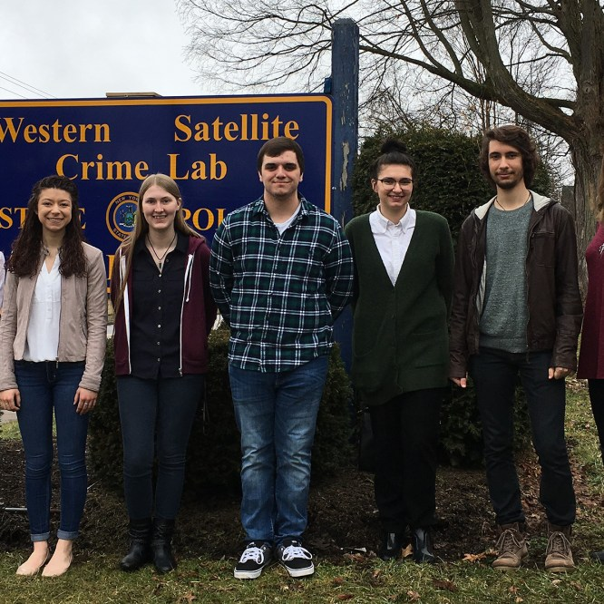 MU Chemistry and Physics Students Tour Crime Lab and Manufacturing Facility