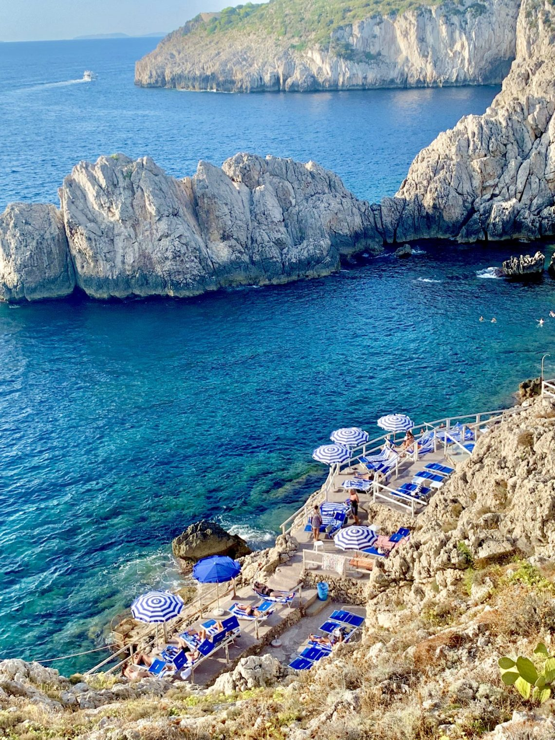 Capri Beach club