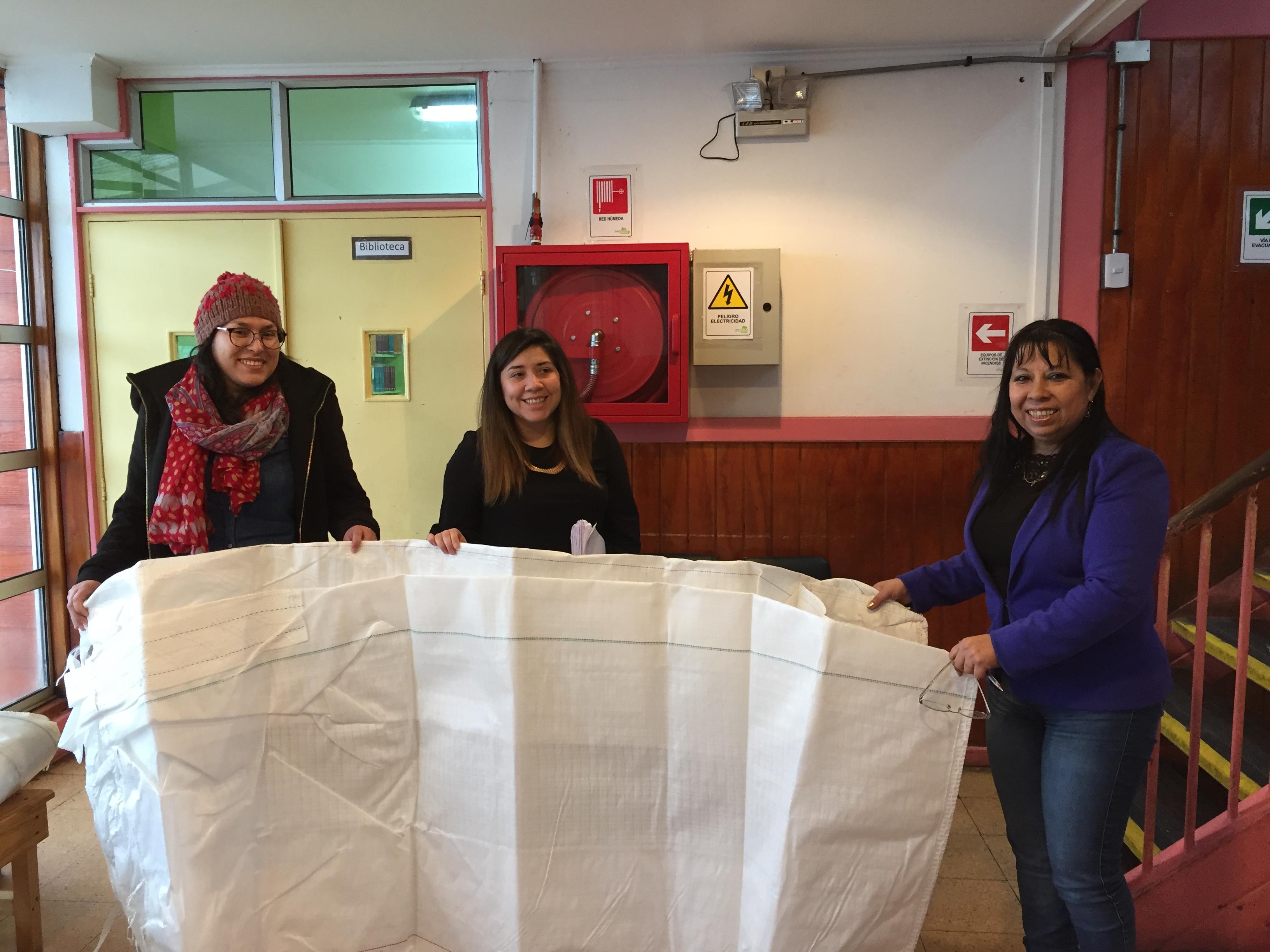 Maxi Sacos Liceo Melinka para acopio material reciclado 2018