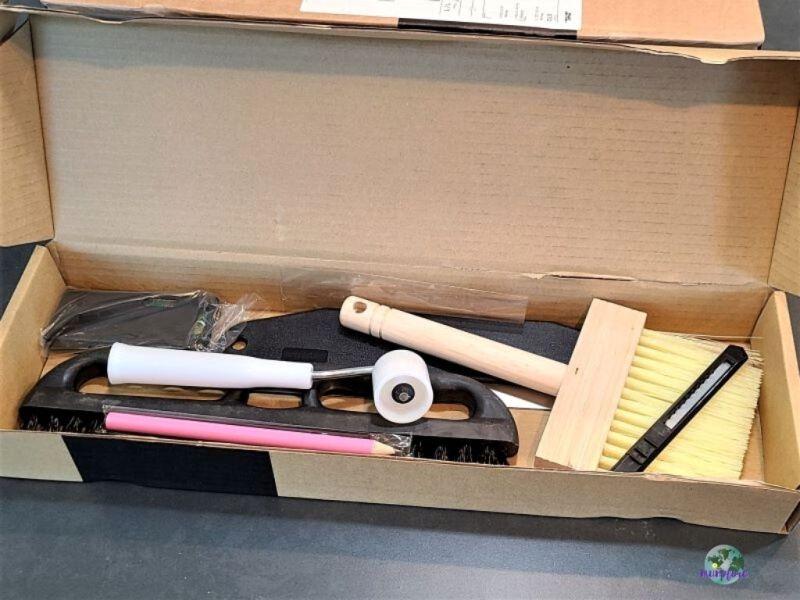 wallpaper tools in a box