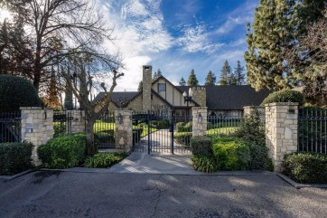 Front view: Not quite in the center of the town. Photo / Quality First Real Estate Group Corporation