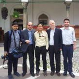 Tim Ayat Riwayat bergambar bersama imam dan muazzin Masjid Sultan Muhammad Fateh di Sarajevo. Dua2 kool and awesome.