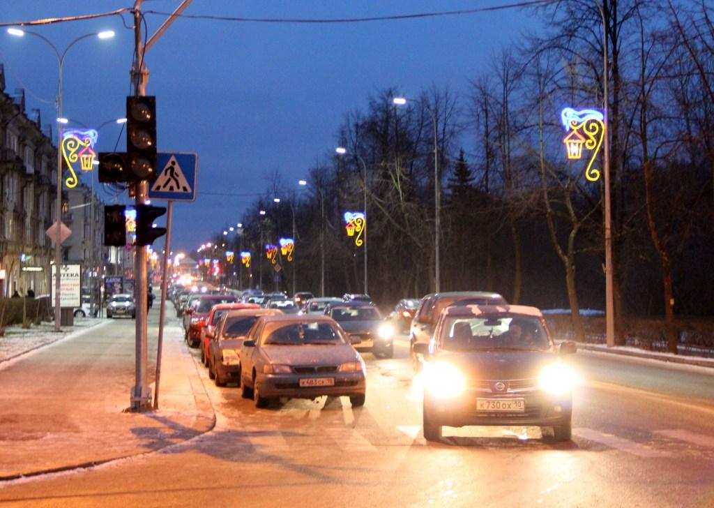 В центре Петрозаводска установили новый светофор