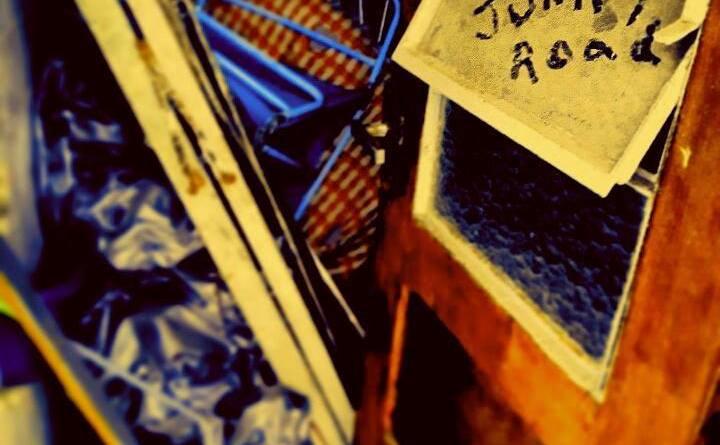 Capa do disco Junkey Road da banda Junkey Road