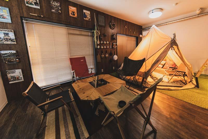 屋内型キャンプ