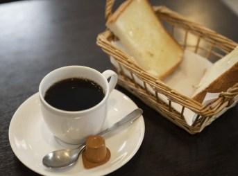 アンズカフェ ブレンドコーヒーとモーニング