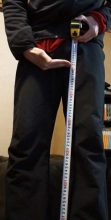 股下を測っています