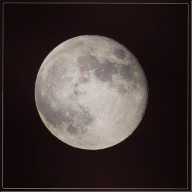 中秋の名月(9/19)を撮ってみた。