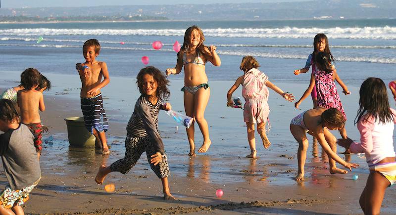 Beach Water Balloon Fight