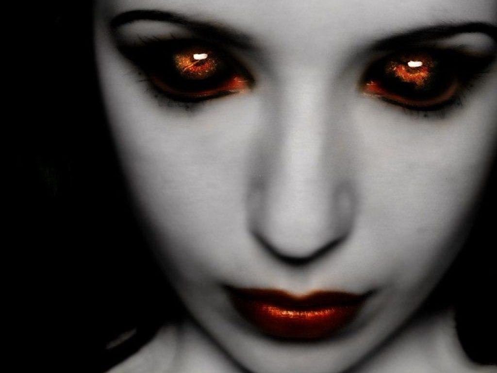 16208-scary-women-wallpaper_5494