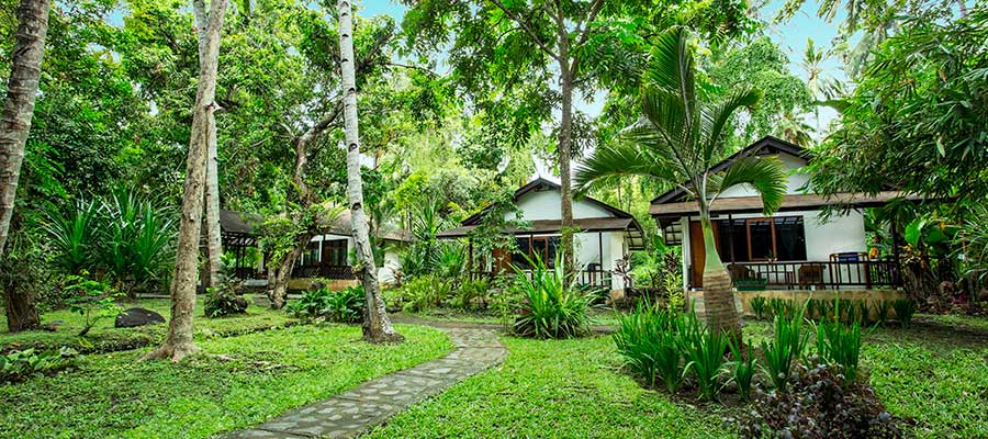 Murex Manado Bungalows Tropical Garden