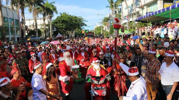 Santa Parade Manado