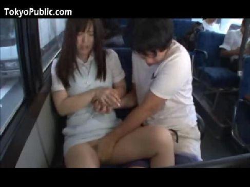 バスで痴漢に襲われ抵抗できずにいるとおまんこまで嵌められる美巨乳ギャルのレイプ動画無料