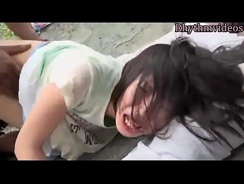 帰宅中の地味カワ娘が黒人に襲われ野外でパイパンおまんこを凌辱されるreipu動画 2 ch 無料
