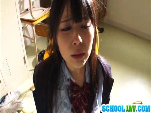 更衣室で無理矢理おまんこを犯され号泣する清純系美乳娘のれイプ 動画 38.5度無料
