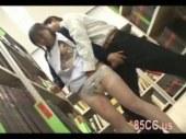 図書館で強姦魔に襲われる真面目な黒髪美少女のれイプ 動画 38.5度無料