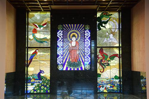 菩提寺ステンドグラス01