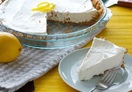 cool-whip-lemon-cream-pie-slice