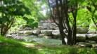 Teich zu Füßen des Pavillons