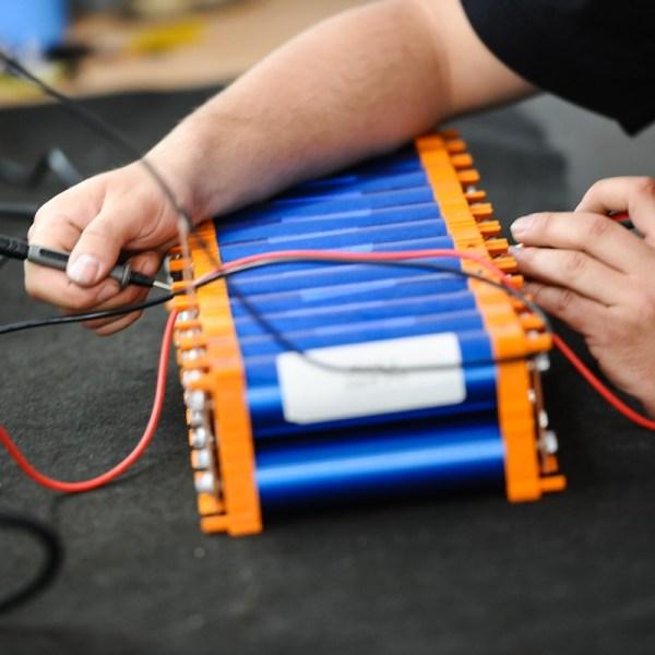 Murschel Electric Cars - Elektroauto Umbau - Elektroauto Batterie Fertigung 3