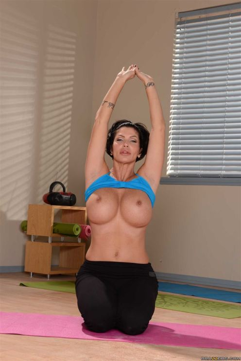Shay Fox yoga