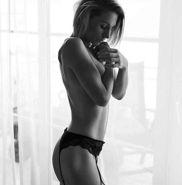 @anna_licious_ by @dominikjahn