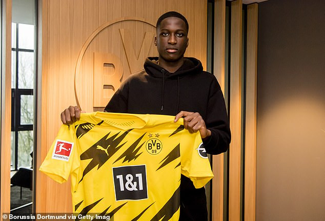 Borussia Dortmund beats Manchester United and Barcelona to sign PSG defender, Soumaila Coulibaly