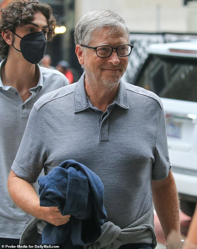 Bill Gates drove to work in Mercedes then disappeared from work in a Porsche to meet women - New report claims