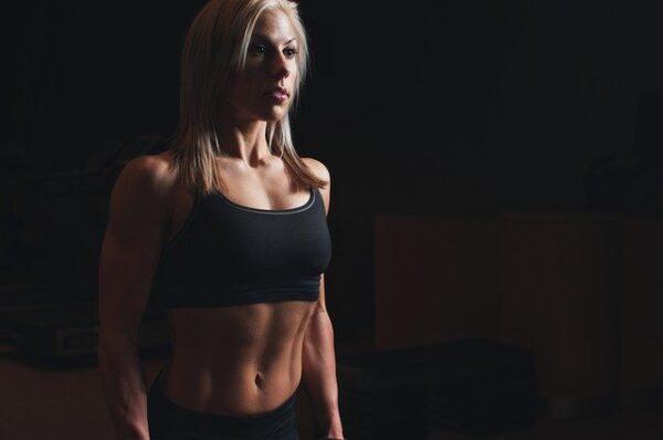 腹筋1ヶ月チャレンジ【うっすら縦線】女子大生が続けた結果