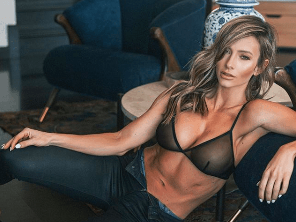 Paige Hathaway Age, INTENSE WORKOUT, And INSTAGRAM! • Muscle Roast