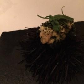 ウニと海藻のベニエ