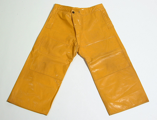 Pantalon de protection – CC0 – Collection musée de Bretagne