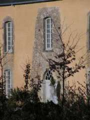Fassade sud Reste von einem alten Turm im Jahre 1779