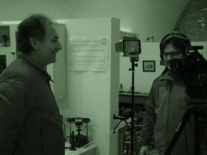 El periodista y blogger Carlos Germán Lozano Hinchado entrevista al Director del Museo, Miguel Ángel Vallecillo para su videoblog