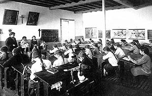 Escola de nenas en Valga (1930)