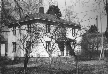 Niin sanottu Laineen talo on edelleen Asemankylällä. Kuva: Mäntyharjun museo, kuvaaja: Hannu Heilio.