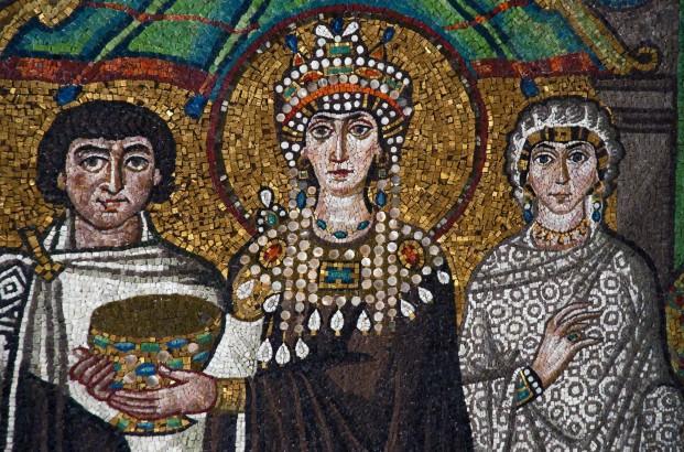 Theodora I, hetaera and the first Christian empress (527 AD), mosaic © Tourist Information Ravenna