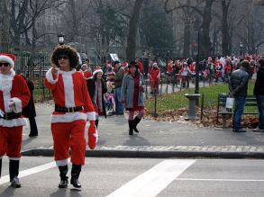 SantaCon, Central Park, New York, USA. I'd never heard of this before I came across it. Tens of thousands of people dress up as Santa and go on a pub crawl. Now he's seen this, I predict that James, one of my business partners, will form a London SantaCon.
