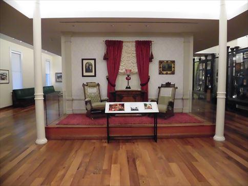 ロサンゼルス・アナハイムのディズニーランド内にあったウォルトの部屋を再現しています