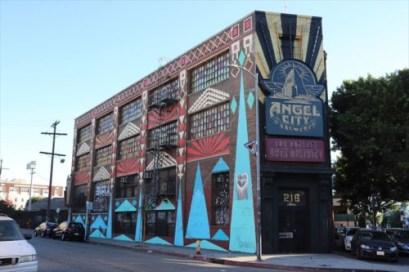 こじゃれたカフェやレストランも多いようです。Angel City Brewery