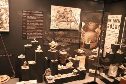自然史博物館ですが、歴史に関する展示があります
