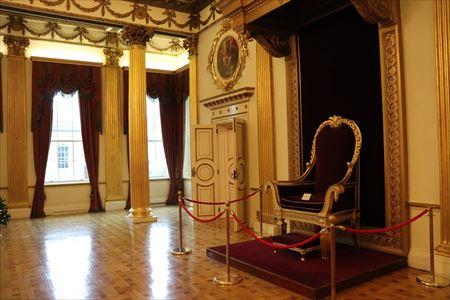 イギリス国王ジョージ4世がお座りになった玉座