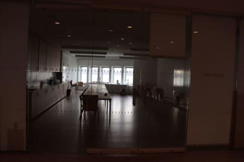 この日は何も行われていなかったので暗いですが、ワークショップなどに使われる専用スペースが確保されています