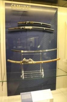 刀と太刀の展示が正しい向きで展示されていました