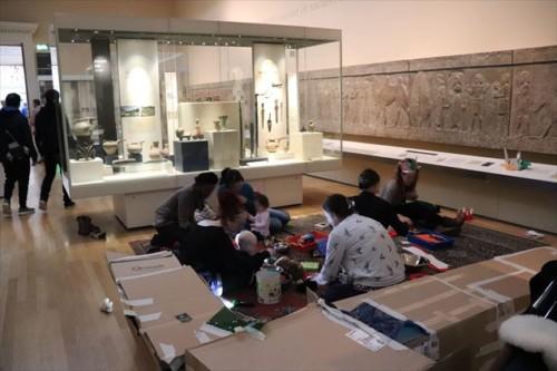 展示室で幼児のワークショップが開かれていました