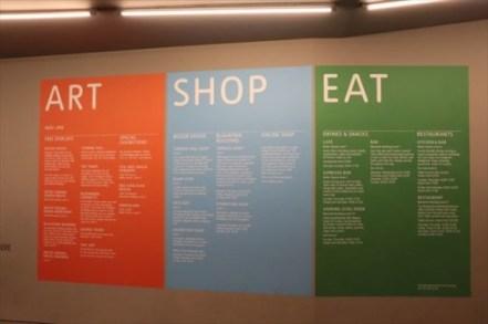 作品だけではなく、ショップと飲食関係がこのように紹介されているのも面白いです
