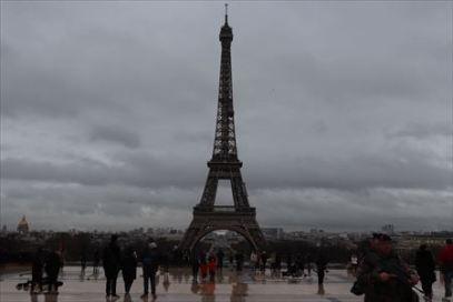 シャイヨー宮から見たエッフェル塔。景観設計や都市計画の妙を感じます
