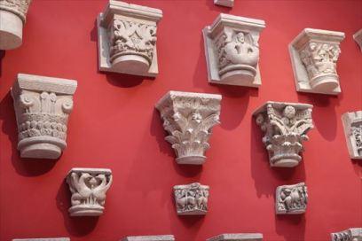 柱周りの装飾を比較できます
