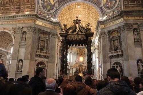 ベリーニによる「天街の在る主祭壇」