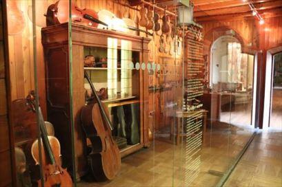楽器の展示もあります